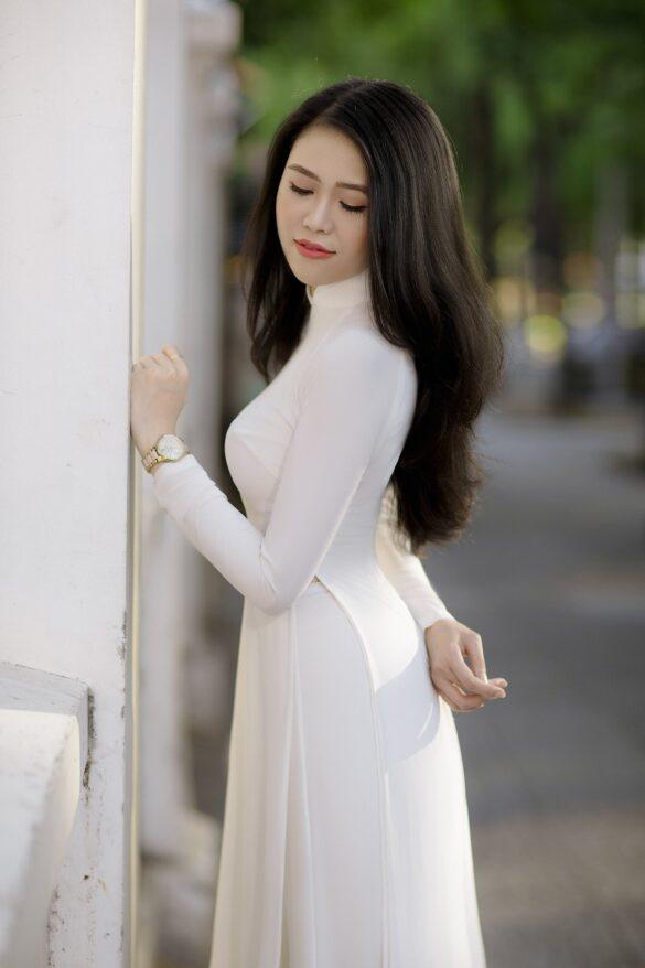 Ảnh con gái Việt mặc áo dài trắng đẹp